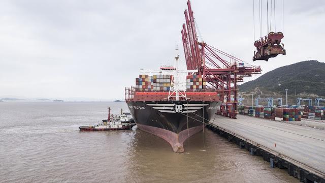 Guerra comercial entre EU y China desacelerará crecimiento mundial: Moody's