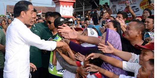Jokowi: Saya Salaman dengan Warga Enggak Pakai Sarung Tangan
