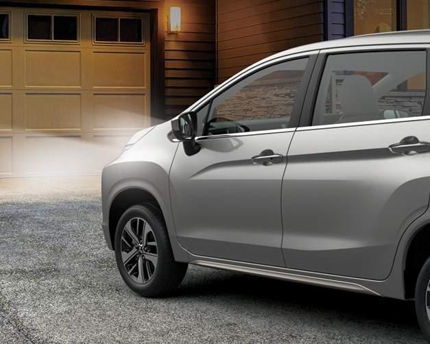 Fitur Mitsubishi XPander Coming Home Light