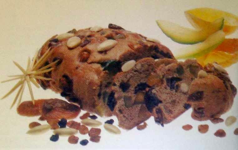 reteta de paine svabeasca cu fructe si migdale