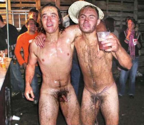 Man drunk naked — pic 4