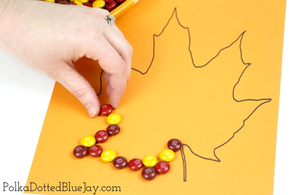 This fall leaf craft for kids is perfect for children of all ages and gives the opportunity to work on dexterity, counting, and pattern skills.