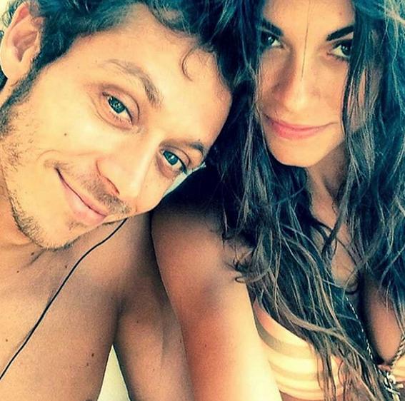 Valentino Rossi dan Linda Morselli Sedang Mesraan
