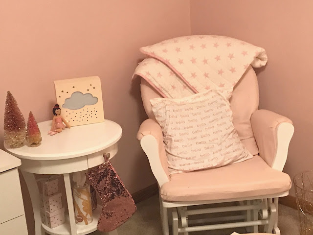 girly-nursery-furniture