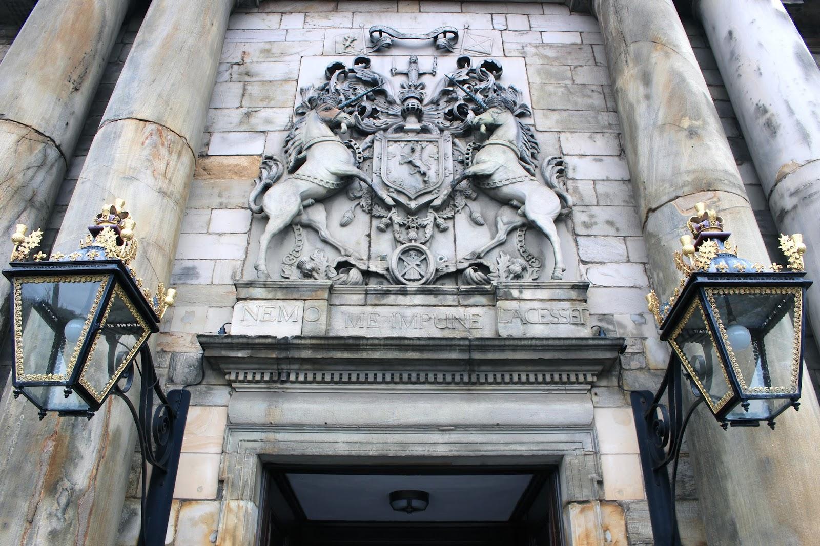 english travel blogger in scotland
