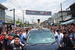 Warga Ponpes Darussalam Wanaraja Sambut Prabowo Subianto