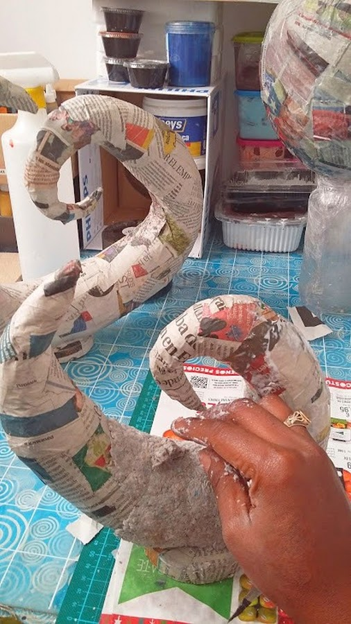 Objetos-decorativos-de-pasta-de-papel