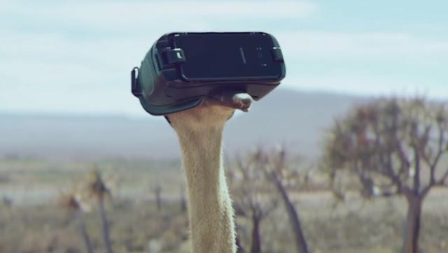 """Un avestruz """"volador"""" en el nuevo y encantador anuncio de Samsung Gear VR"""