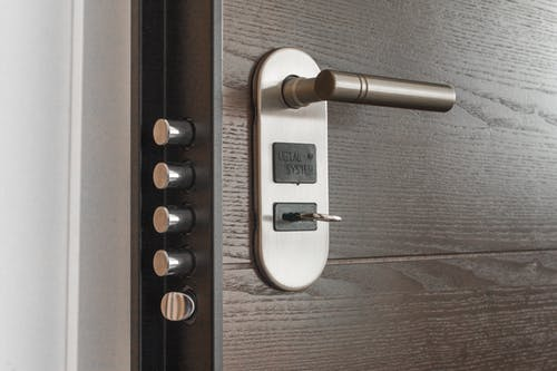 how to unlock bathroom door twist lock