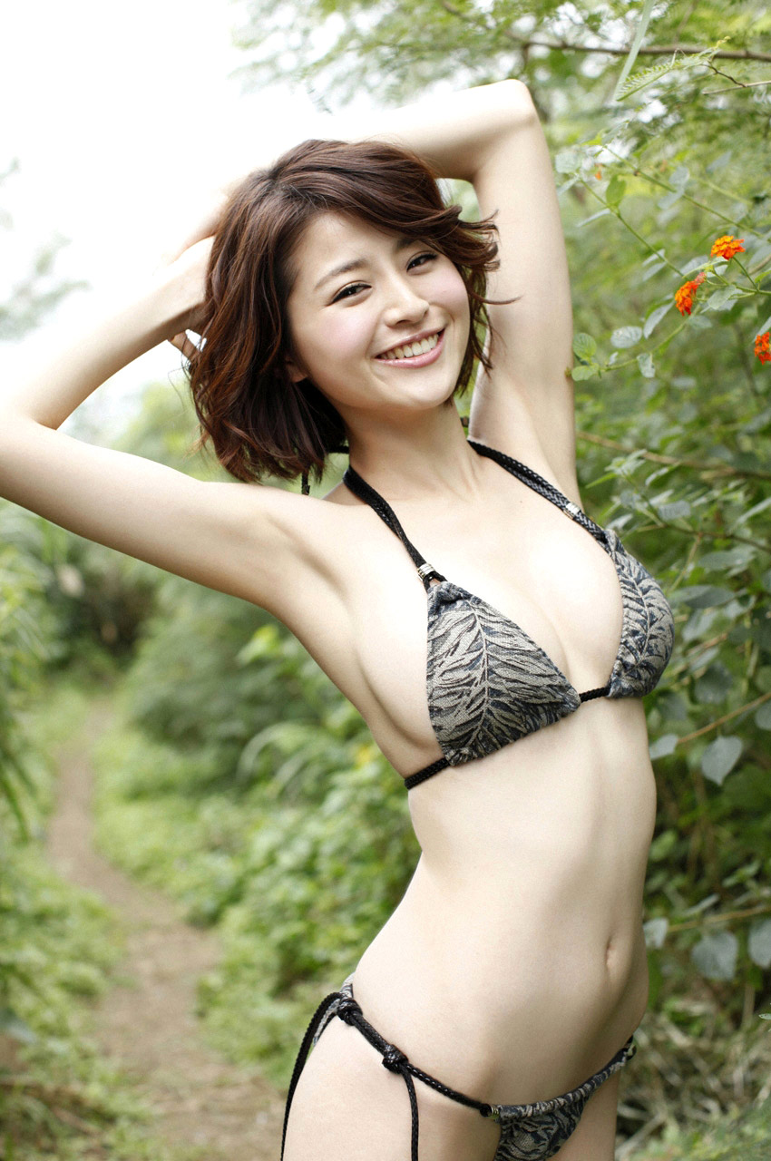 chinami suzuki hot nude photos 01