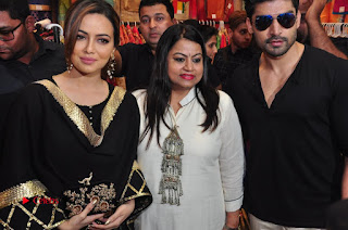Bollywood Actress Sana Khan Launches Aakrithi Exibition  0314.JPG