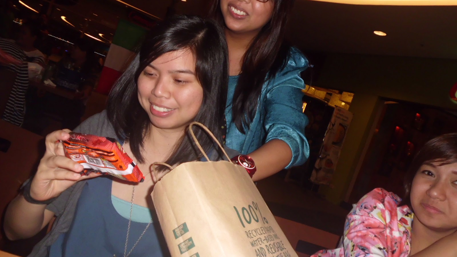 Yes, Lau did get a pack of Lucky Me! Pancit Canton from Kat. The spicy variant, even.