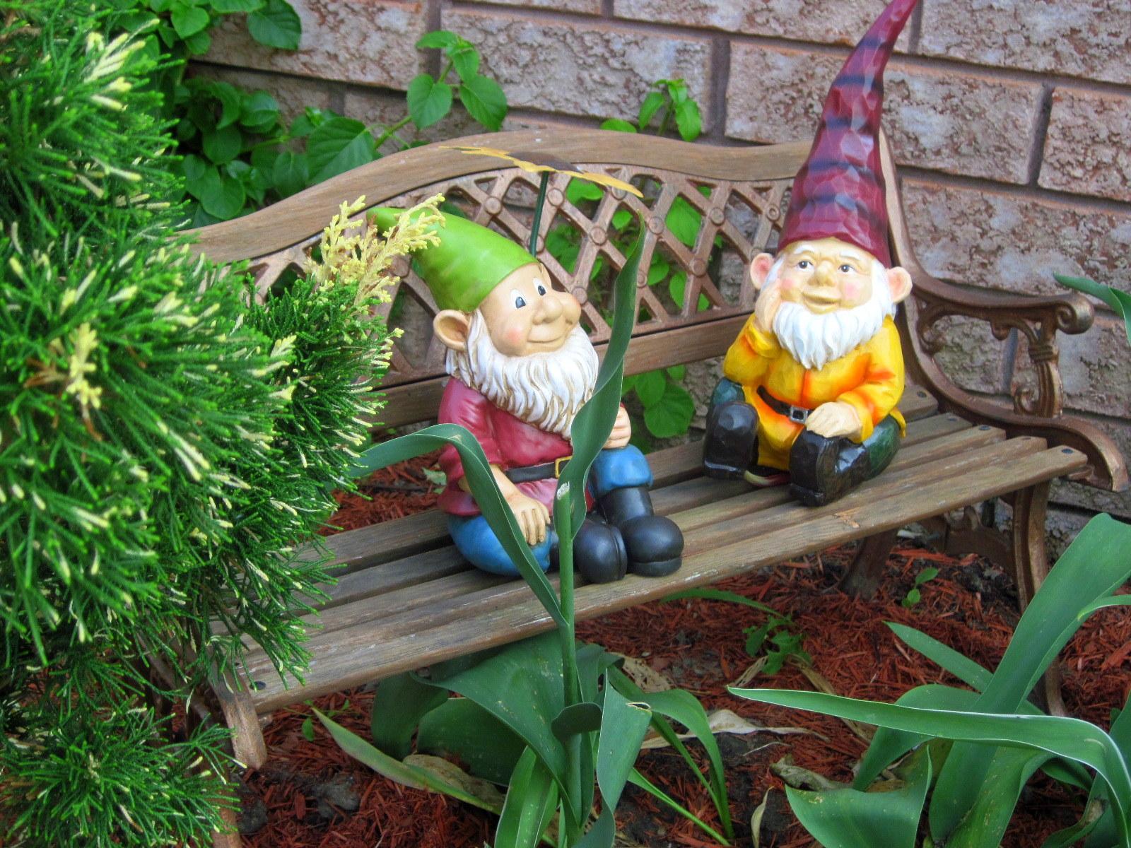 Gnome 4: Robin's Ramblings: Gnome Man's Land