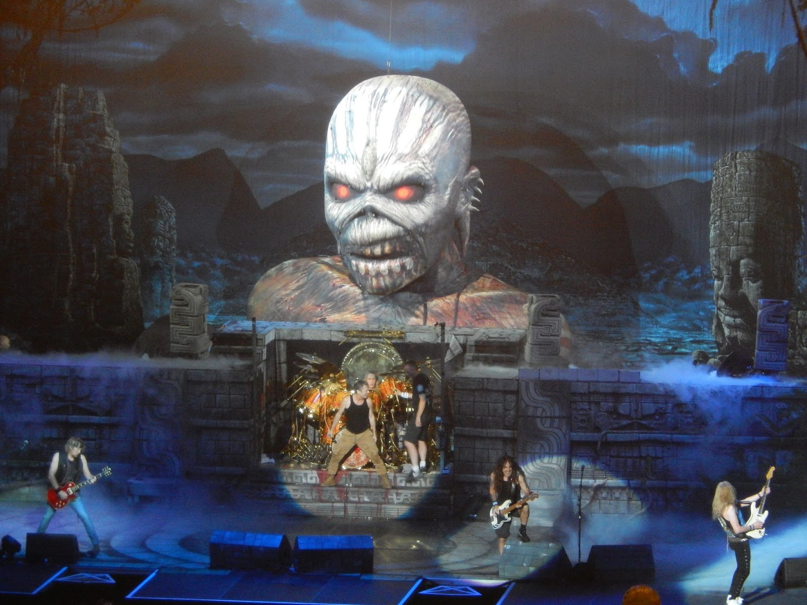 Officially A Yuppie Live Pix Iron Maiden Msg