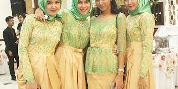Model Baju Kebaya Seragam Keluarga Untuk Pesta Pernikahan Uroda