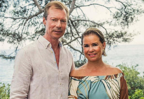 New holiday photos of Grand Duke Henri, Grand Duchess Maria Teresa. Princess Marie-Gabrielle and Antonius Willms, baby Zeno, holiday