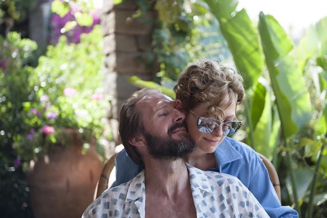 der cineast Filmblog Tilda Swinton und Ralph Fiennes als gute Freunde in der Idylle