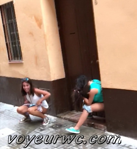Girls Gotta Go 37 (Spanish drunk girls pee in a public place)