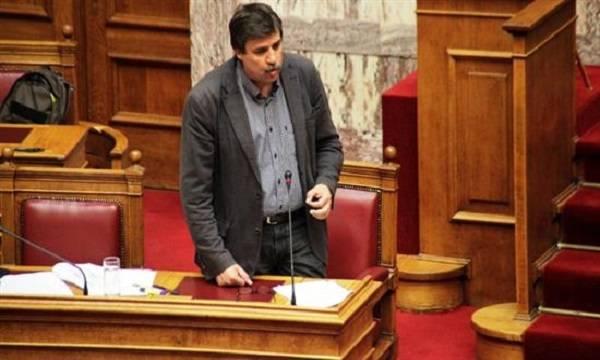 Ξανθός: Η συμφωνία σταθεροποιεί τη λειτουργία της οικονομίας και της χώρας