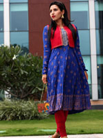 http://www.stylishbynature.com/2015/10/desi-outfit-to-make-sure-youre-best.html