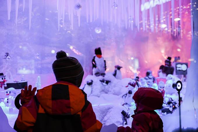stockmann näyteikkuna turku, joulumaailma, näyteikkunasomistus, joulun satumaa, joulutaikaa lapsille turku