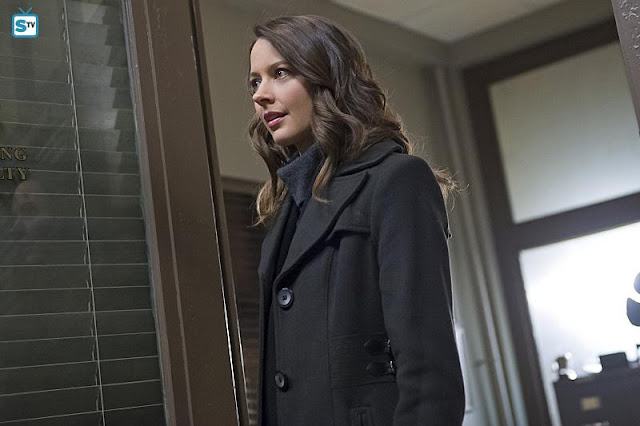 Performers Of The Month - May Winner: Outstanding Actress - Amy Acker