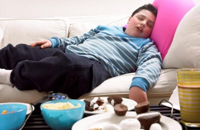 10 Bahaya Tidur Setelah Makan Sahur