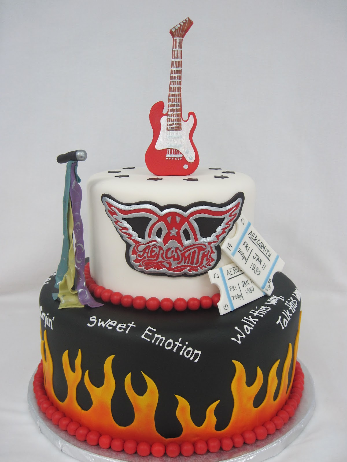 Heathers Cakes and Confections Aerosmith