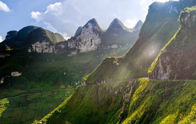 Ha Giang's wild beauty touches the hearts of visitors 6