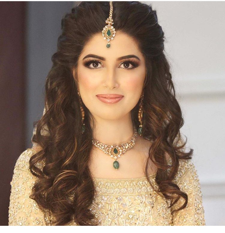 9 Stunning Reception Hairstyles For 2018 Indian Beauty And