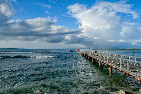 Tempat Wisata Tanjung Lesung di Banten
