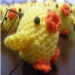 http://recetasyamigurumis.blogspot.com.es/2011/05/pollitos-chicken-patron-pattern-free.html