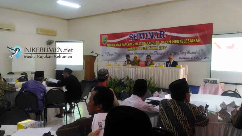 Rawan Konflik Sosial, Kesbangpol Gelar Seminar Peningkatan Kapasitas Masyarakat Sipil dalam Penyelesaian Konflik Sosial