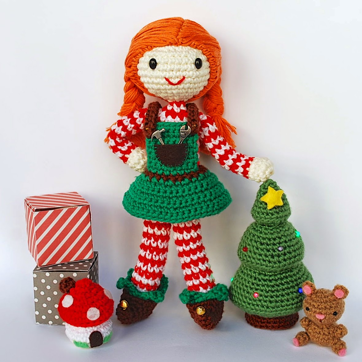 Crochet Santa's helper with Christmas tree and gifts