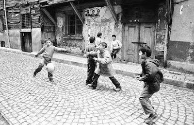 çift kale maç yapan çocuklar
