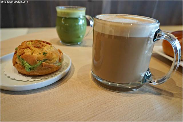 Tetería Gen Sou En: Bebidas de Matcha y Miso Latte Espresso y Profiterol