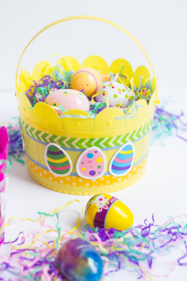 DIY Easter baskets with washi tape and stickers - so easy!