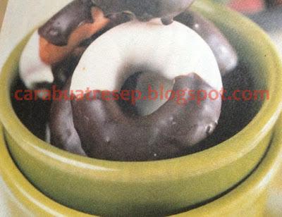 Foto Resep Donat Pisang Coklat Lembut Sederhana Spesial Asli Enak