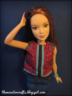http://themonstercrafts.blogspot.com/2017/01/doll-review-barbie-fashionistas-petite.html