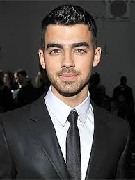 Joe Jonas Height - How Tall