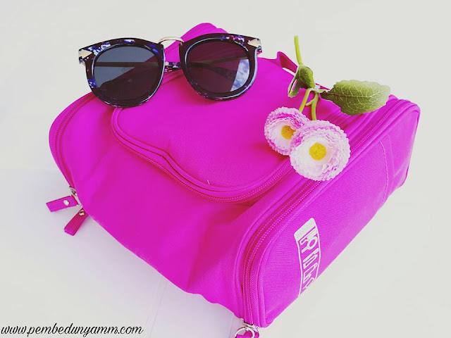 seyahat makyaj çantası