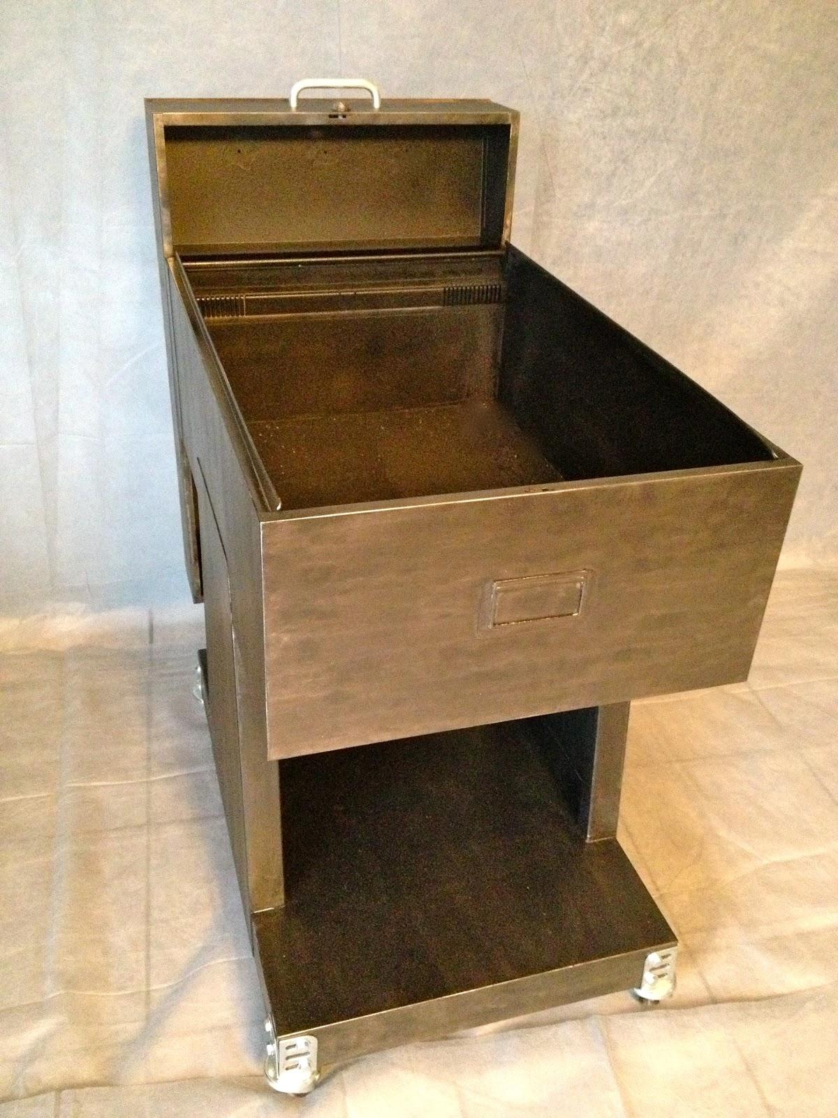 from hell desserte industrielle. Black Bedroom Furniture Sets. Home Design Ideas