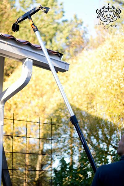 Fiskars QuikFit™ Teleskooppivarsi (M)1400-2400 mm ja Räystäskourun puhdistaja
