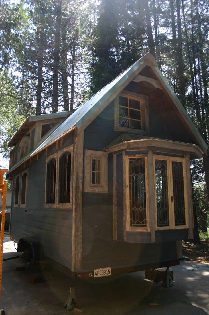 16-Molecule-Tiny-Homes-Architecture-with-a-Tiny-Home-1904-Style-www-designstack-co