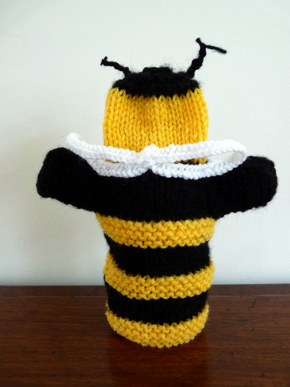 Musings of the Puppet Lady Bumble Bee Puppet Knitting