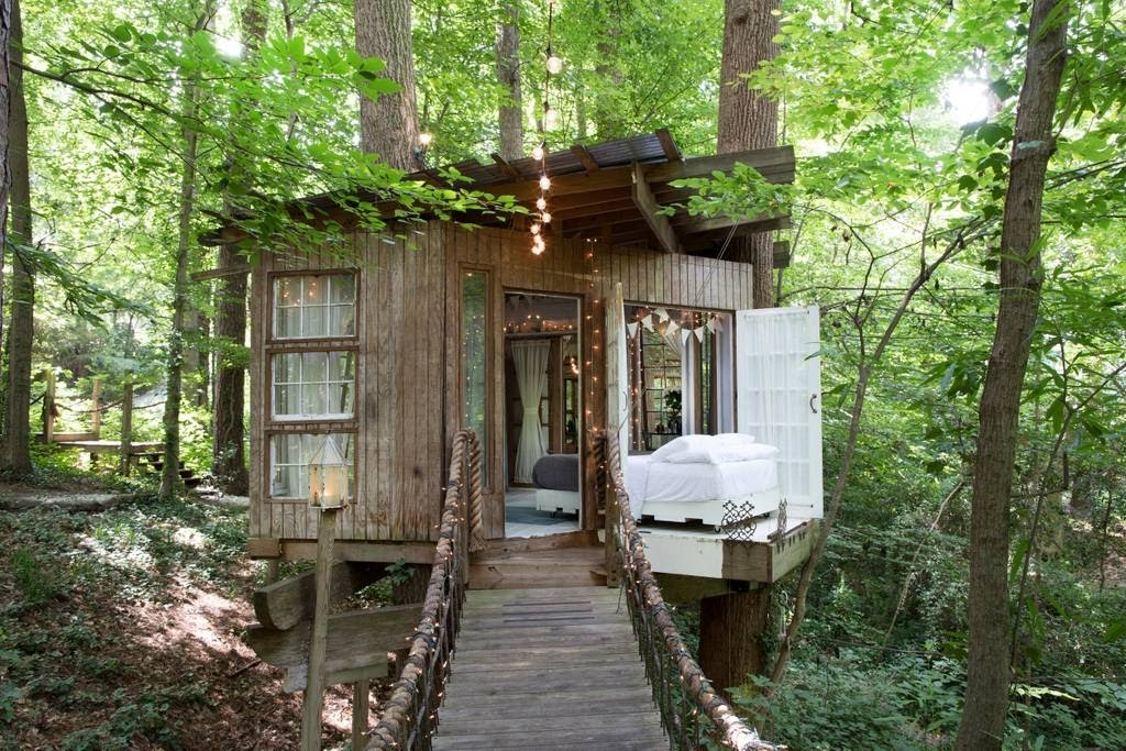 06-Bedroom-Structure-Architecture-with-Airbnb-Tree-House-Accommodation-www-designstack-co