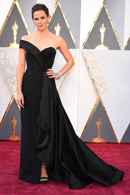 http://www.starcelebritydresses.com/jennifer-garner-black-celebrity-prom-dress-oscars-2016-167.html