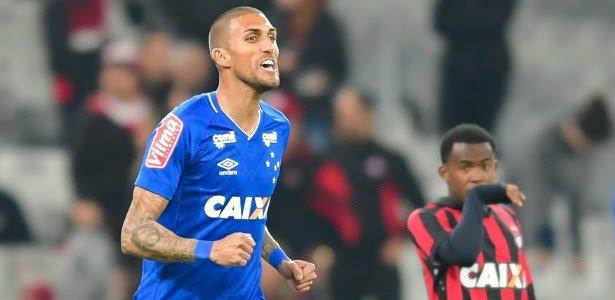 SANTÁSTICO RESENHA  Santos negocia com Rafael Marques e tem aval do ... 9b2a677c00f9d