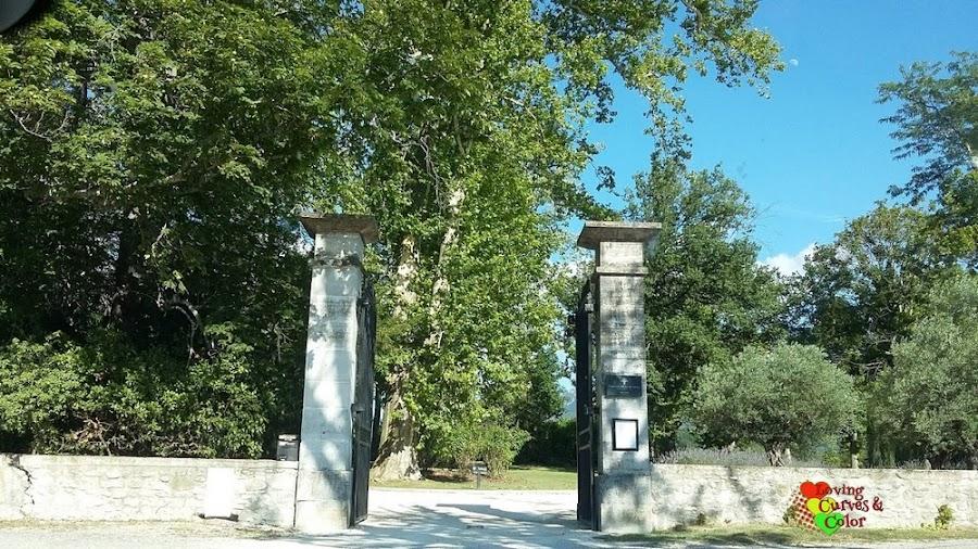 Entrada-de-Chateau-Les-Olivers-de-Salettes