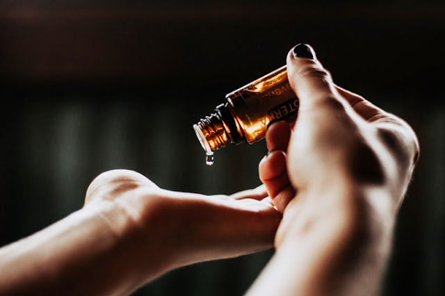 Estes dois óleos são agentes poderosos contra a acne